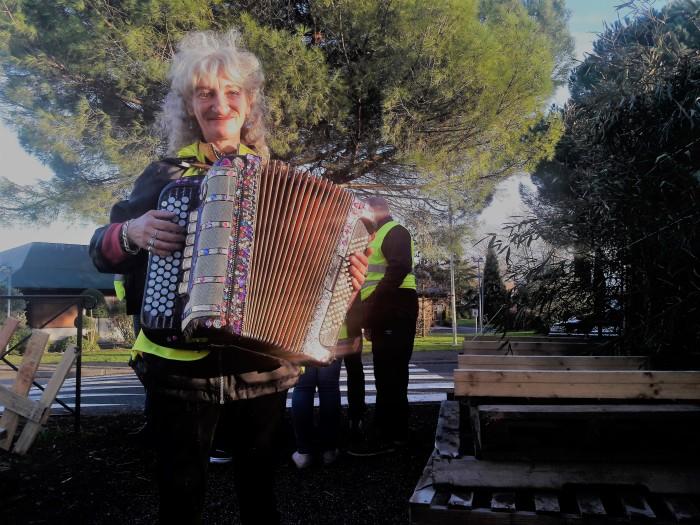 Marie accordéon.jpg